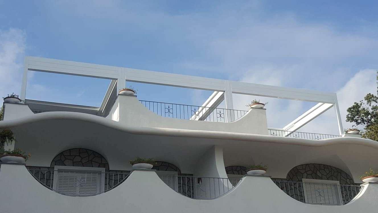 Pavillon RGM tende sull'isola d'Ischia