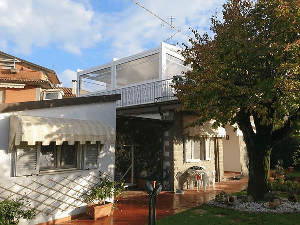 Una terrazza elegante, sicura e funzionale di RGM tende
